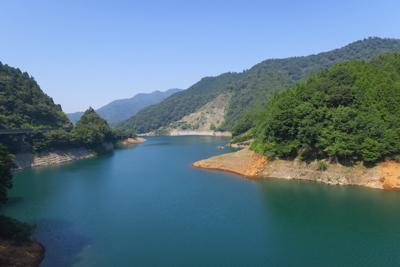 宮ヶ瀬湖、やっぱりでかいなぁ。...