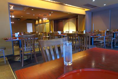 嵐山駅の上にあるレストランに入...