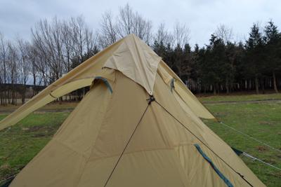 後ろはこんな風にテントと接続し...