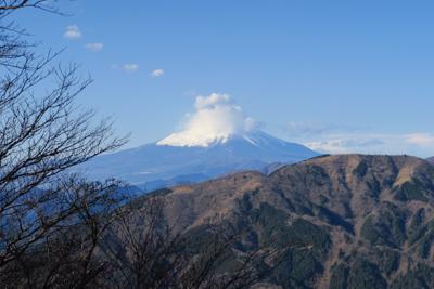 富士山〜。ちょっと帽子を深く被...
