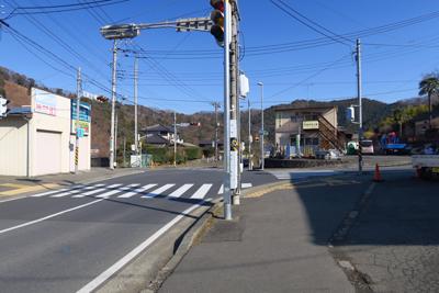 右に曲がって、尾崎の交差点を再...