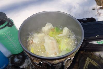 今日は、前回断念したスープ餃子...