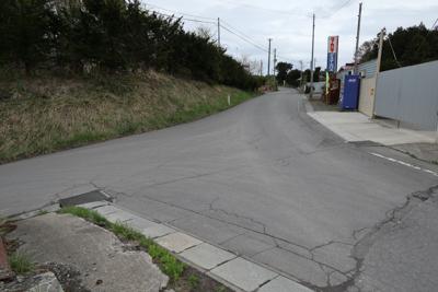 あとはずーっとひたすら舗装道路...
