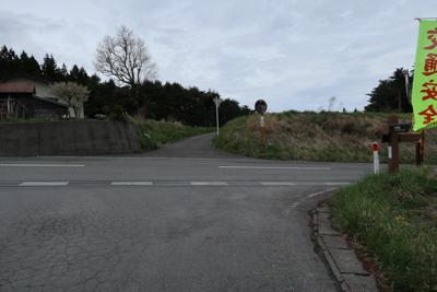 この交差点は右折。...