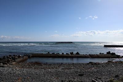 再び海辺に出た。...