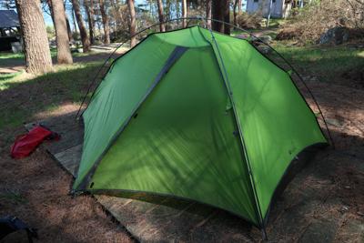 ・・・テントを設営しました。当...