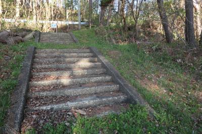 ・・・階段を登り・・・...
