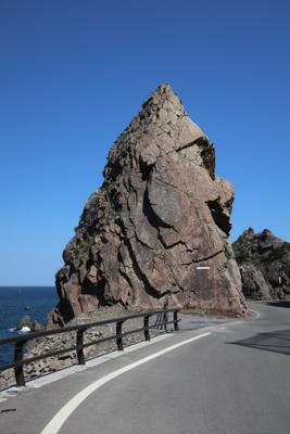 ゴリラ岩(これもゴリラの横顔に...