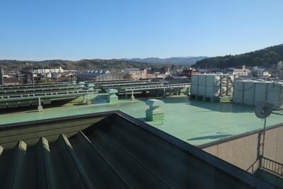 窓からの風景。さっそくお風呂に...